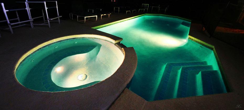 Pool&spa at night
