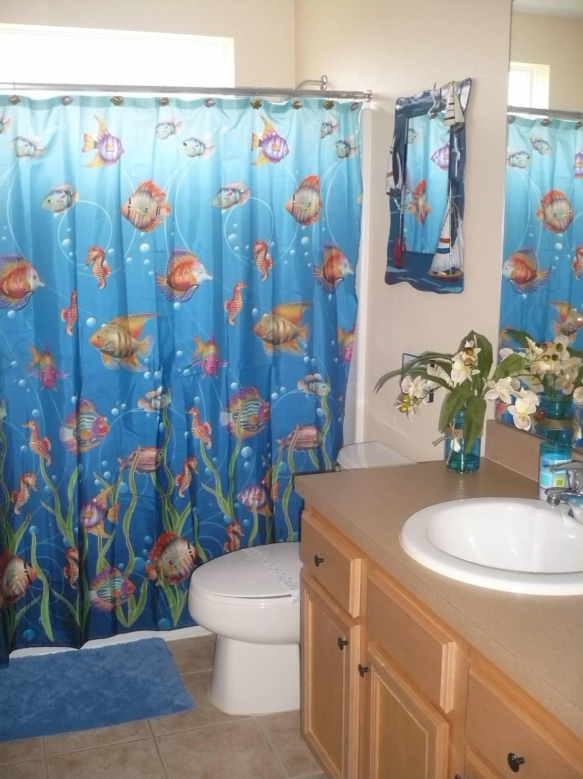 Hallway full bathroom