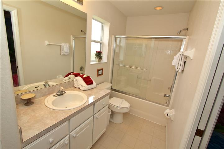 Upstair(right side) King Suite Bathroom