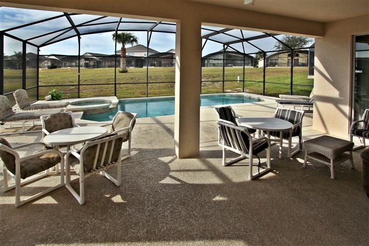 Private  Pool porch
