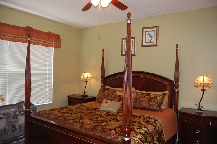 Downstair King Master en-Suite