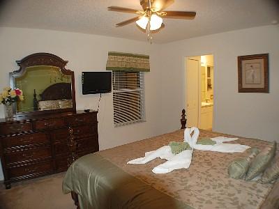Upstair(rightside) King Bedroom